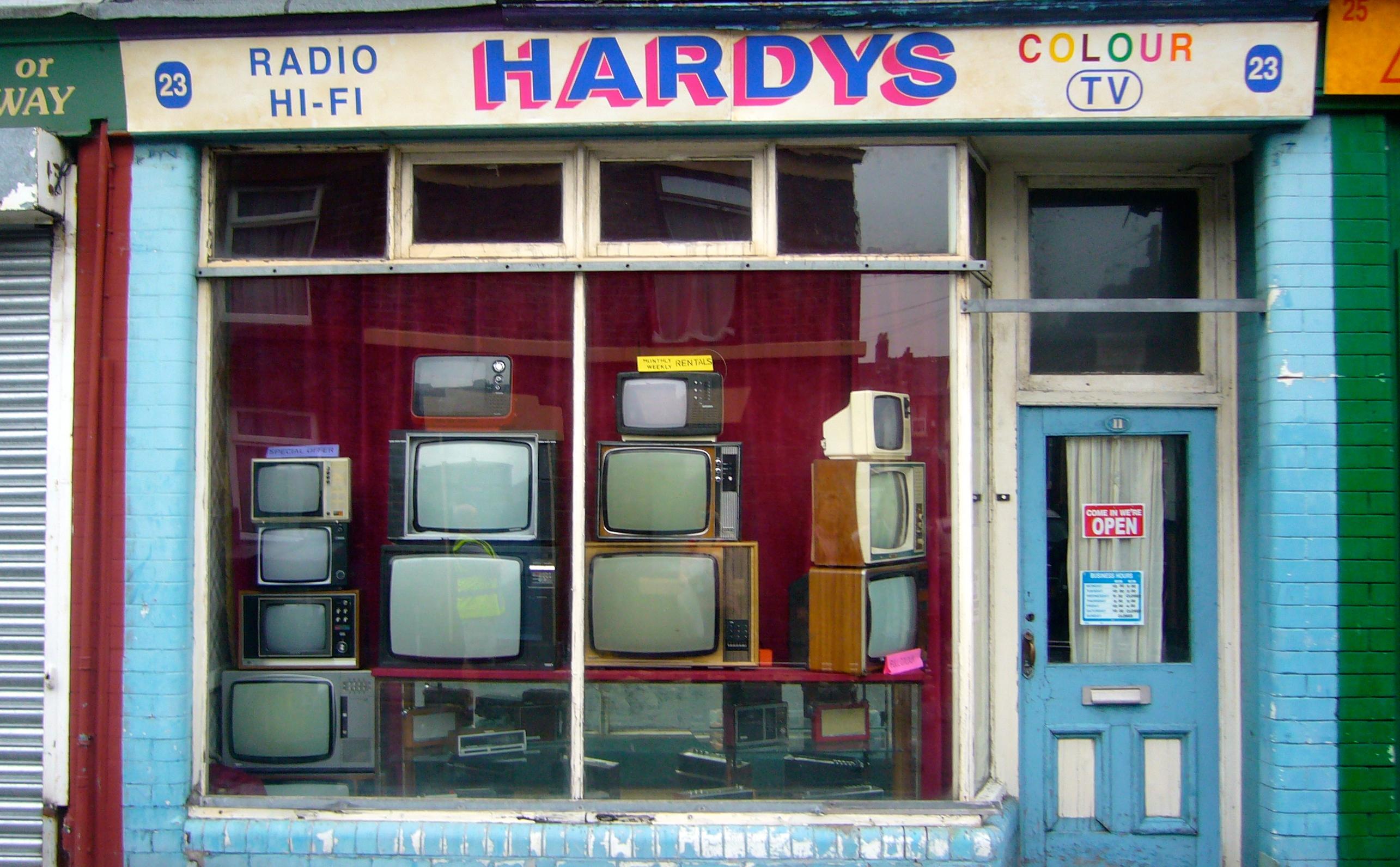 HOVIS COMMERCIAL : TELEVISION SHOP 1970S